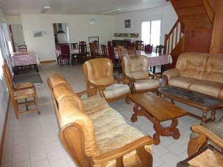 Grands Gîtes de groupe en Seine Maritimes - Salle de séjour   et salon