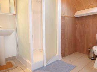 Grands Gîtes degroupe en Normandie - Etage - Douche et lavabo avec WC